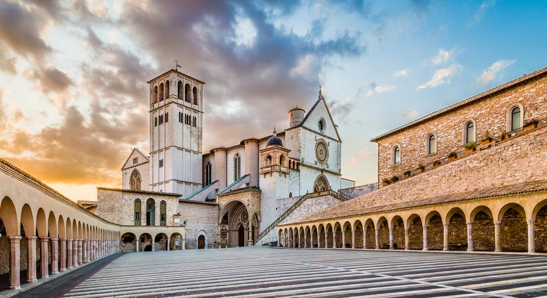 """Vandring I Italien: Toscana Og Umbrien – """"Til Assisi – 'Med Fred Og Alt Godt'"""". Prisen Er Et Depositum."""