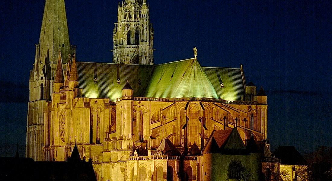 """Gralsrejse I Frankrig: Chartres – """"Vand Til Vin"""". Prisen Er Et Depositum."""