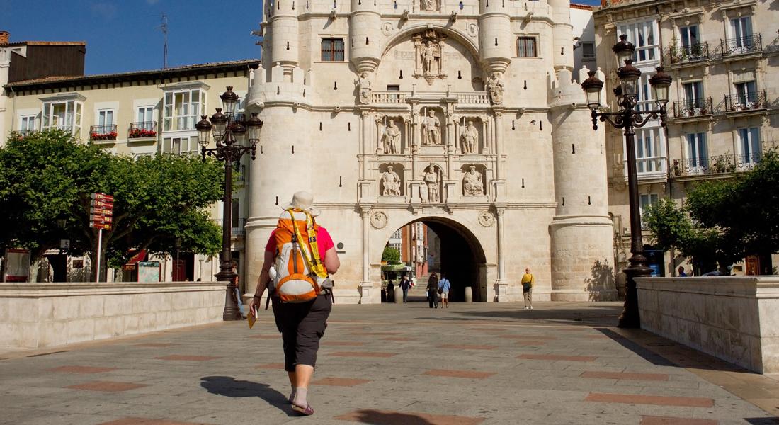 """Vandring I Spanien: Navarra – Rioja – Castilla-Leon. El Camino – """"Los Arcos Til Burgos"""". Prisen Er Et Depositum."""